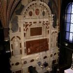 Fragment wnętrza kaplicy z nagrobkiem Stefana Batorego. Stan po konserwacji.