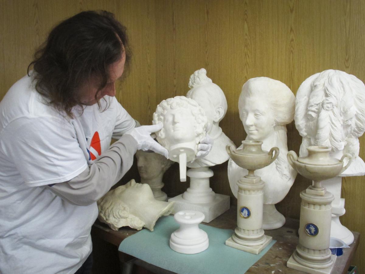 Konserwacja rzeźb gipsowych z Muzeum Łazienki Królewskie w Warszawie